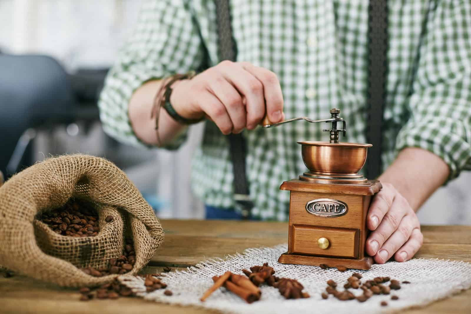 Advantages Of Using Your Best Hand Coffee Grinder