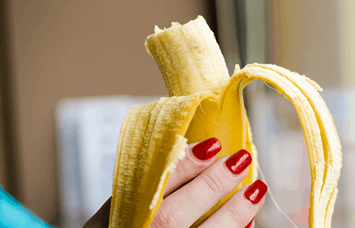 eat banana helps counteract caffeine